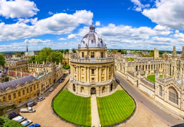 The University of Oxford has named its preferred building contractors to deliver a £1.5bn pipeline of projects over the next decade.